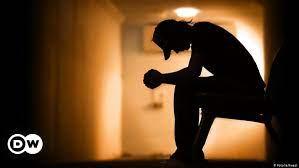 خودکشی کی وجوہات اور بچاؤ خودکشی کی وجہ لوگوں کی بے بسی ہے